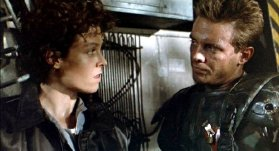 Sigourney Weaver & Michael Biehn in 'Aliens' (1986)
