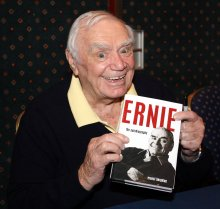 Ernest Borgnine with his autobiography 'Ernie' (at Autographica in April 2009)