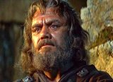 Ernest Borgnine as Ragnar in 'The Vikings'