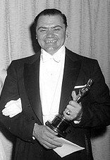 Ernest Borgnine with his Oscar for 'Best Actor' in 'Marty'