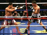 Joe Calzaghe fights Peter Manfredo in 2007