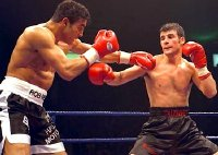 Joe Calzaghe fights Robin Reid in 1999