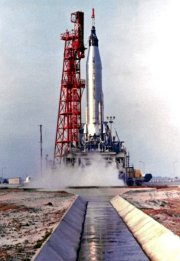 Scott Carpenter's 'Mercury 7' lifts off from Pad 14 at Cape Canaveral