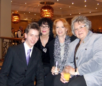 Ciaran Brown with Martine Beswick, Luciana Paluzzi & Mollie Peters in Birmingham (April 2008)
