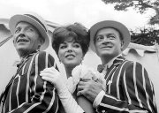 Joan Collins with Bing Crosby and Bob Hope in 'Road To Hong Kong'