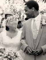Dawn French & Lenny Henry on their wedding day
