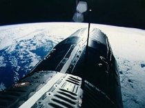 Gemini 9 orbits above the Earth