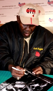 Emile Griffith signing photograph