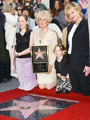 Tippi Hedren receiving her 'Walk of Fame'star in 2003, with her daughter Melanie Griffiths