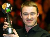Stephen Hendry with the Betfair Premier League Snooker trophy that he won in 2004 after defeating John Higgins