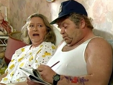 Judy Cornwell & Geoffrey Hughes in 'Keeping Up Appearances'