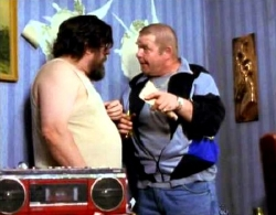 Ricky Tomlinson & Geoffrey Hughes in the wallpaper stripping scene from 'The Royle Family'