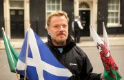 Eddie Izzard in Downing Street after completing his 43 marathons