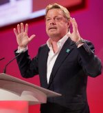 Eddie Izzard addresses the Labour Party conference in Brighton in 2009