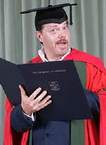 Eddie Izzard received an honorary degree from Sheffield University in 2006