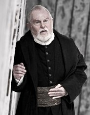 Derek Jacobi in the title role of Shakespeare's 'King Lear'