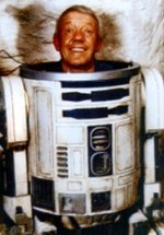 Kenny Baker in his R2-D2 costume