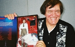 Richard Kiel with Sideshow model