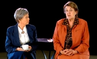 Brenda Giblin & Maggie Kirkpatrick in 'The Shoe-Horn Sonata' NSW tour 2005