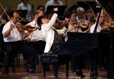 Lang Lang performing in China