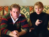Simon MacCorkindale & Linda Hamilton in 'The Way to Dusty Death' (1996)