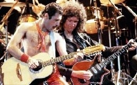 Freddie Mercury & Brian May in concert