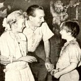 Hayley Mills with Walt Disney & Kevin Corcoran in 1960