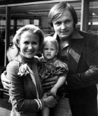 Juliet Mills with her second husband Michael Miklenda and their daughter Melissa