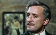 Ron Moody as Voribyaninov in 'The Twelve Chairs'