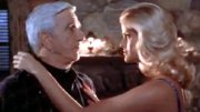 Leslie Nielsen & Anna Nicole Smith in 'The Naked Gun 33 1/3'