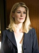 Rosamund Pike as Nikki Gardner in 'Fracture'