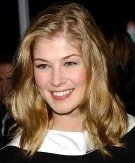Rosamund Pike at the premiere of 'Atonement' in 2007