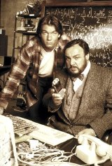 John Rhys-Davies and Jerry O'Connell in 'Sliders'