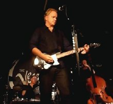 Tim Robbins performing on tour in Glasgow with The Rogues Gallery Band on 2nd October 2010