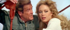 Roger Moore & Tanya Roberts in 'A View to a Kill'