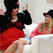 Dawn French & Jennifer Saunders as Amy Winehouse and Britney Spears in 'French & Saunders'