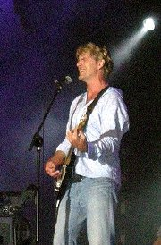 John Schneider performing in France in 2007