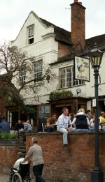 The Dirty Duck pub in Stratford-upon-Avon