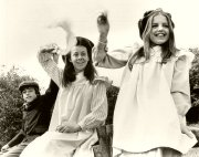 Gary Warren, Jenny Agutter and Sally Thomsett in 'The Railway Children'