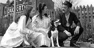 Sally Thomsett, Jenny Agutter and Bernard Cribbins in 'The Railway Children'