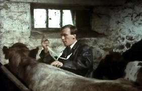 Christopher Timothy as James Herriot in the first episode of 'All Creatures Great and Small' (1978)