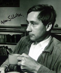 Alan Sillitoe signed photograph