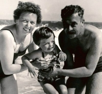 Jayne Torvill with her parents, Betty and George, enjoying a seaside holiday