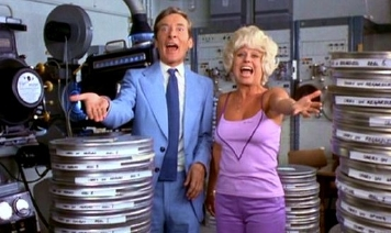 Barbara Windsor & Kenneth Williams in 'That's Carry On' (1977)