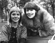 Susannah York and Glenda Jackson in 'The Maids'